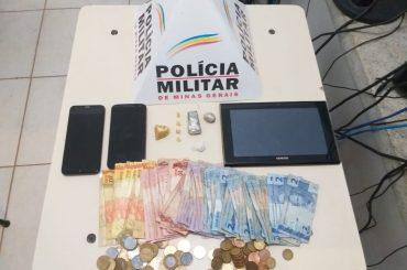 PM prende rapaz alvo de denúncias via 181 suspeito de tráfico ilícito de drogas no bairro Cachoeira