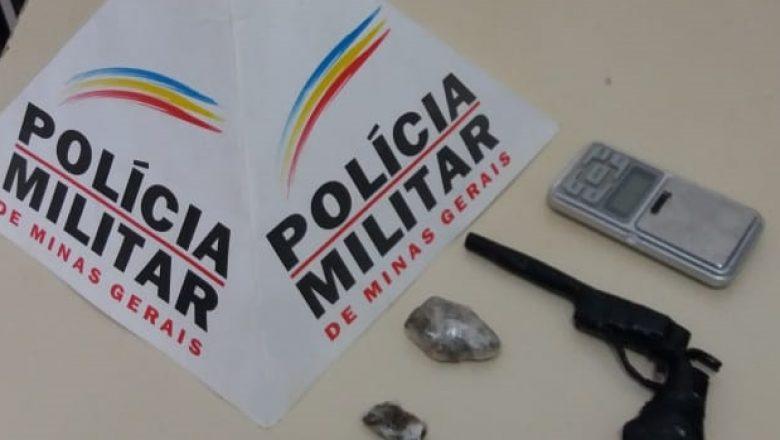 PM apreende adolescente no bairro Itapuã, em sua casa foram apreendidos um simulacro e entorpecente